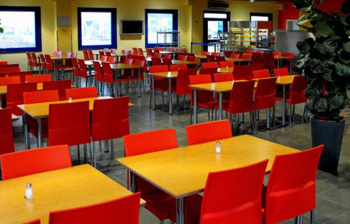 Tavoli e sedie per ristoranti bar e collettivit belca for Sedie per ristoranti