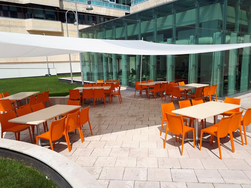 Tavoli e sedie per ristoranti bar e collettività belca